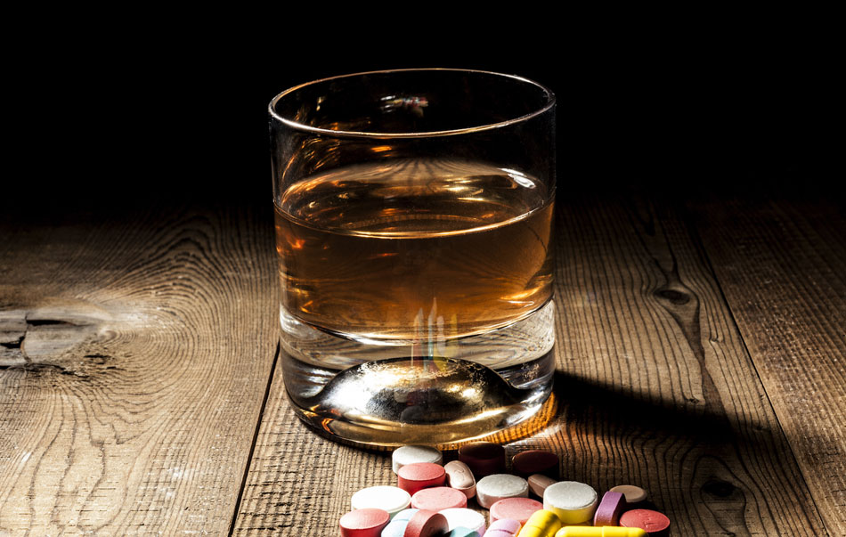 benadryl and alcohol problems